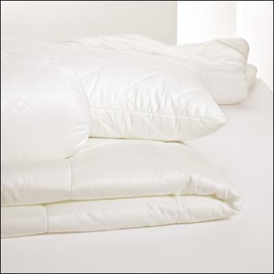 welt der centa star royal combi bettdecke 4 jahreszeiten. Black Bedroom Furniture Sets. Home Design Ideas